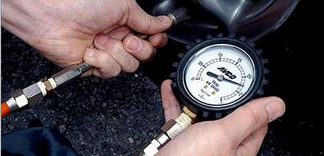 タイヤ 保管 空気圧